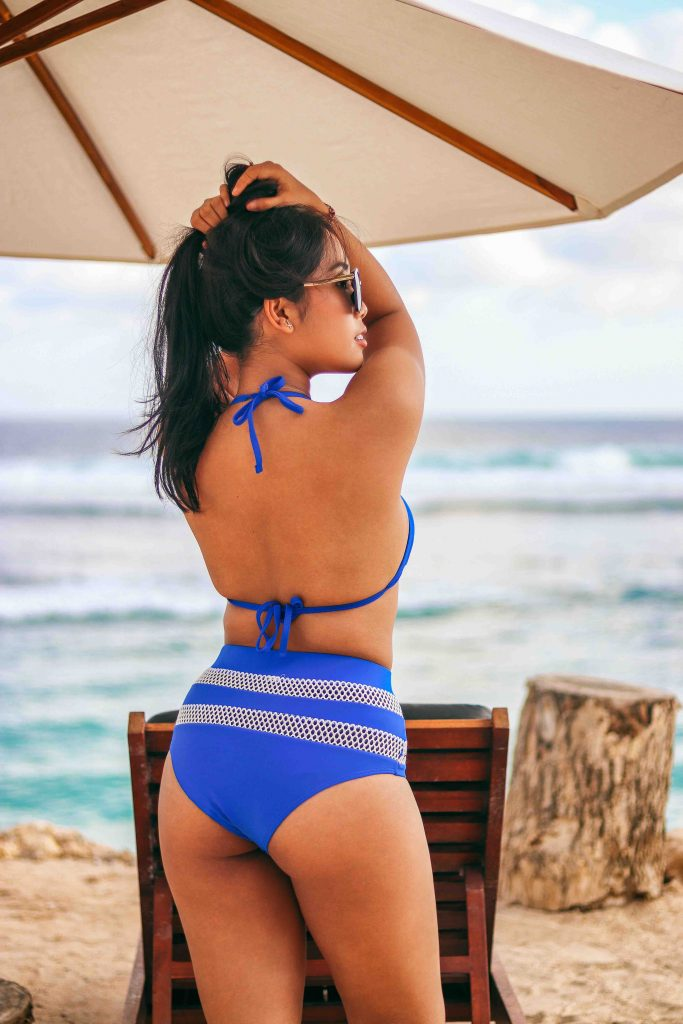 Romford escorts - hot bikini girl